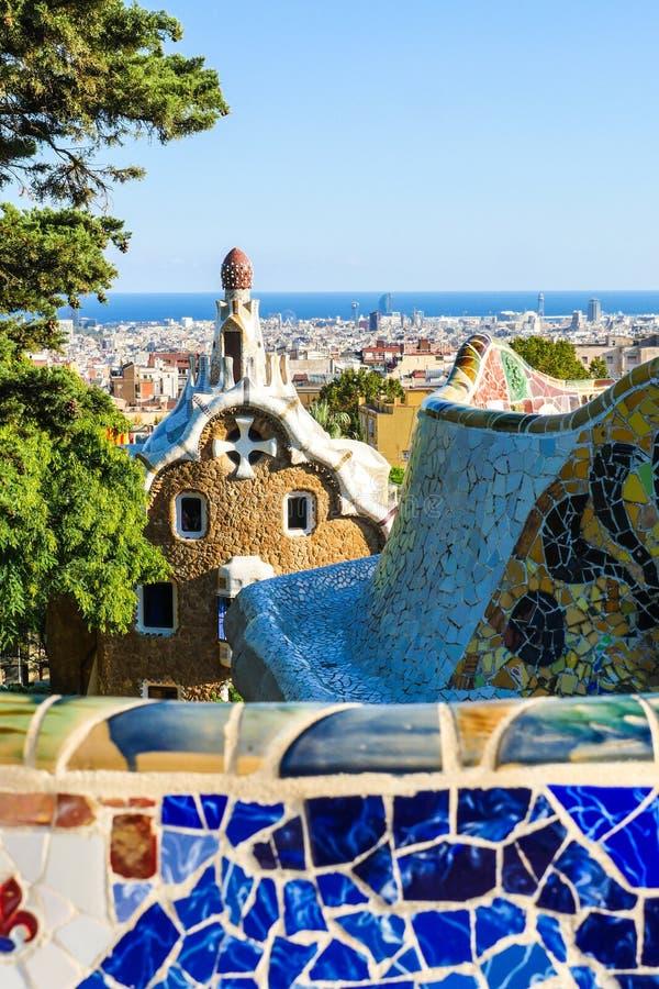 Estacione Guell pelo arquiteto Antoni Gaudi, Barcelona, Espanha fotografia de stock royalty free