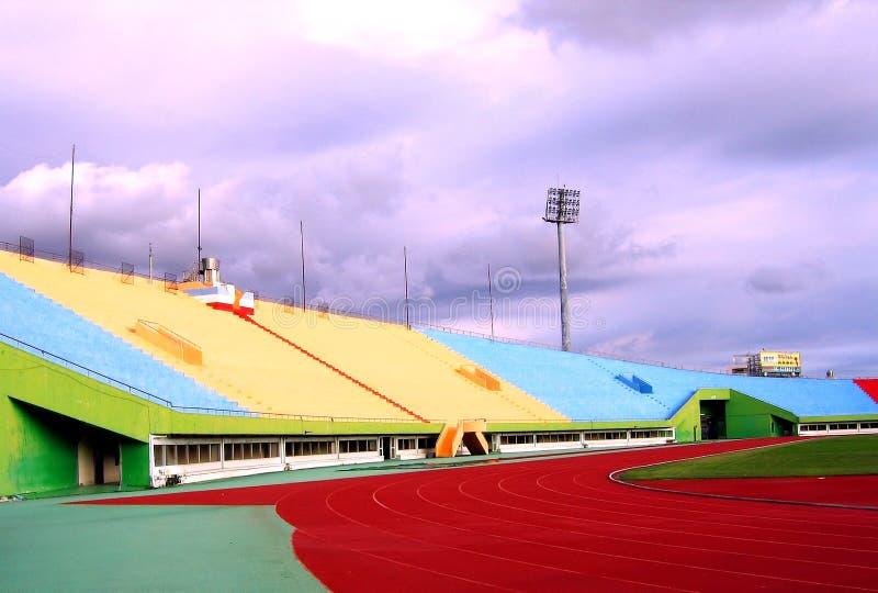 Download Estadio Sideview De Los Deportes Imagen de archivo - Imagen de emparejamiento, gradas: 182387