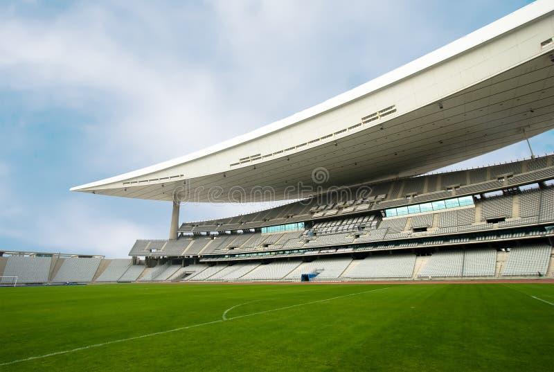 Estadio vacío y el campo fotografía de archivo