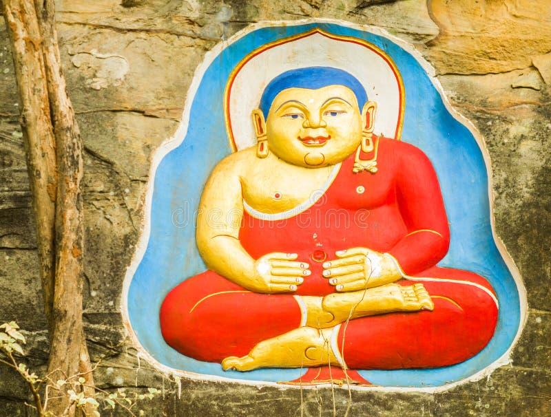 Estado da Buda na rocha imagem de stock royalty free
