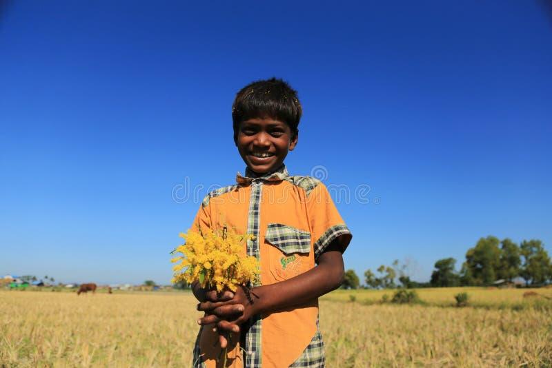 Download ESTADO DE RAKHINE, MYANMAR - 5 DE NOVIEMBRE: Los Centenares De Musulmanes Rohingya Están Sufriendo La Desnutrición Severa En Camp Imagen de archivo editorial - Imagen de birmania, noviembre: 64206714