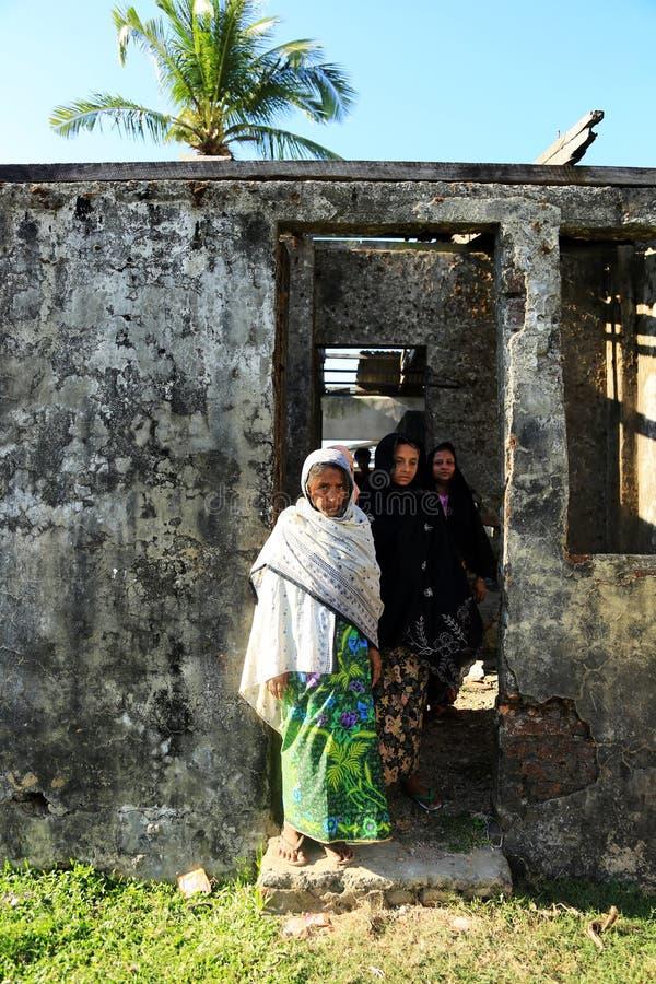 Download ESTADO DE RAKHINE, MYANMAR - 5 DE NOVIEMBRE: Los Centenares De Musulmanes Rohingya Están Sufriendo La Desnutrición Severa En Camp Imagen editorial - Imagen de sufrimiento, estado: 64206940