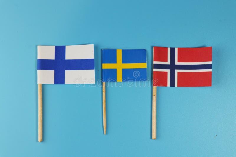 Estados de Europa del norte Estados y sus banderas Noruega, Findland y Suecia de Escandinavia foto de archivo libre de regalías