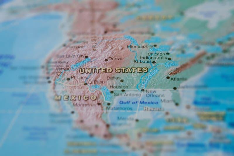 Estados Unidos no fim acima no mapa Foco no nome do pa?s Efeito do Vignetting imagens de stock royalty free