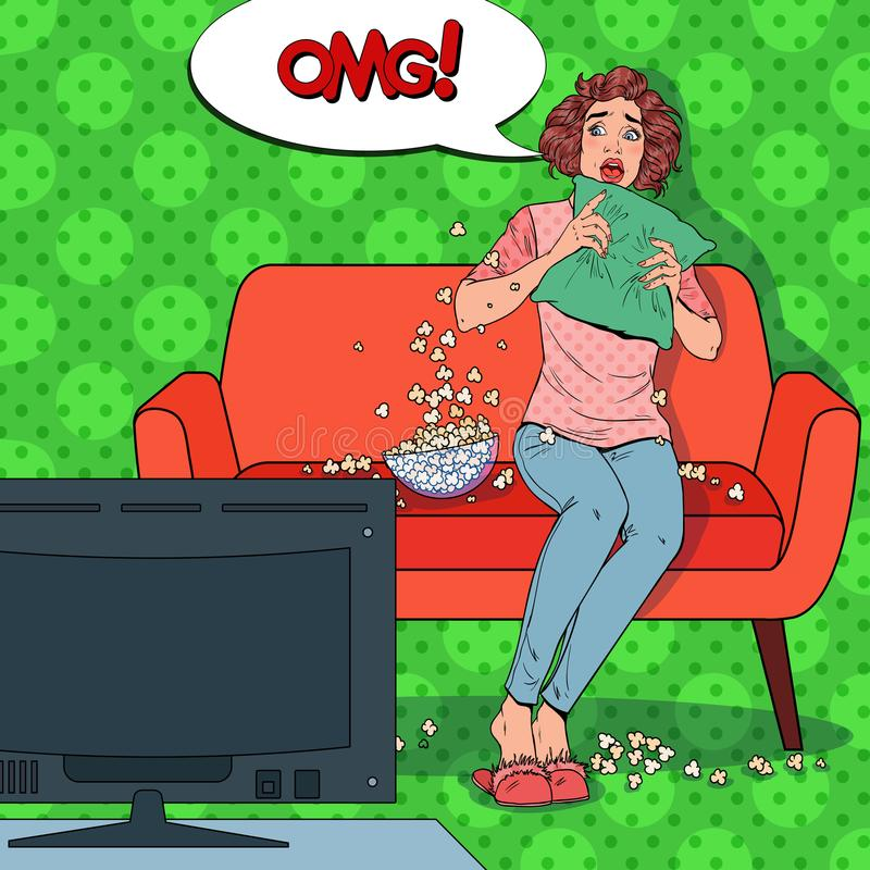 Estallido Art Woman Watching una película de terror en casa Película aterrorizada del reloj de la muchacha en el sofá con palomit libre illustration