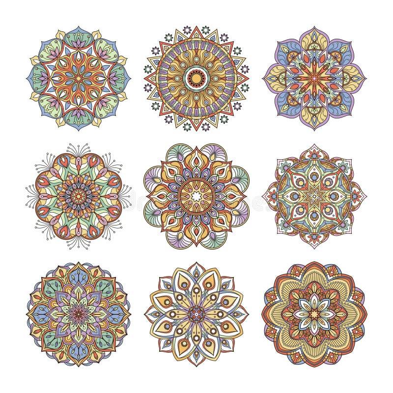 Estampado de flores chino e indio Mandalas indias del color fijadas Aislante de los ejemplos de la yoga en el fondo blanco stock de ilustración
