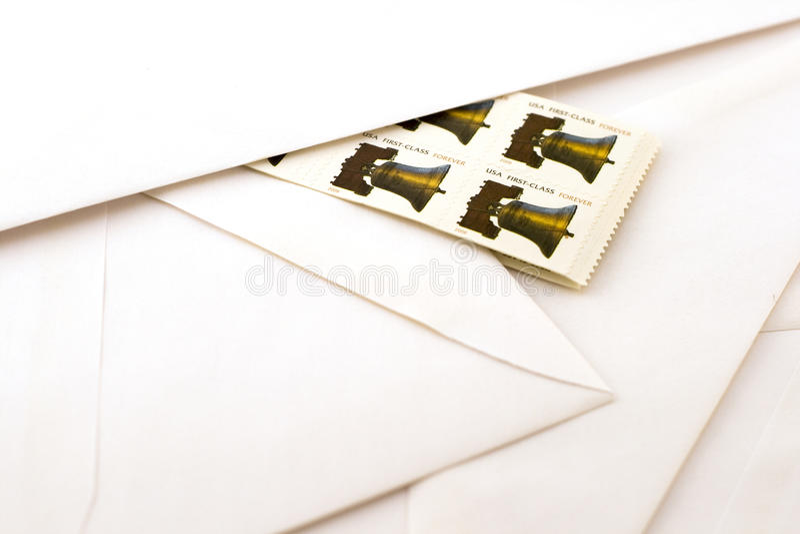 Estampilles et enveloppes image libre de droits