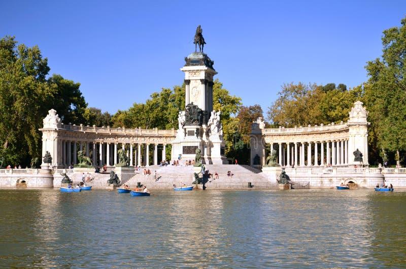 Download Estanque Grande In Retiro Park In Madrid, Spain Stock Photo - Image: 26575800