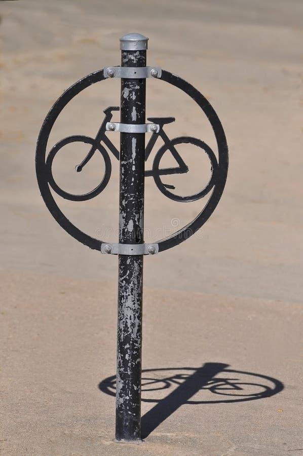 Download Estante único de la bici foto de archivo. Imagen de metal - 41903496