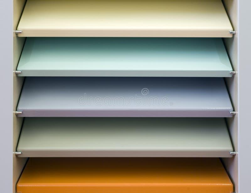 Estante colorida imagem de stock
