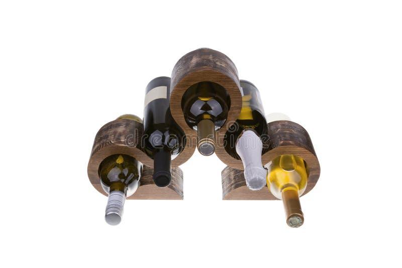 Estante de madera del vino aislado en el fondo blanco imágenes de archivo libres de regalías