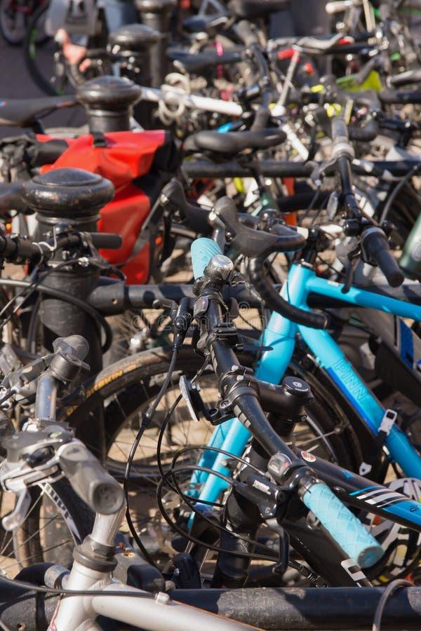 Estante y muestra de la bici fotografía de archivo