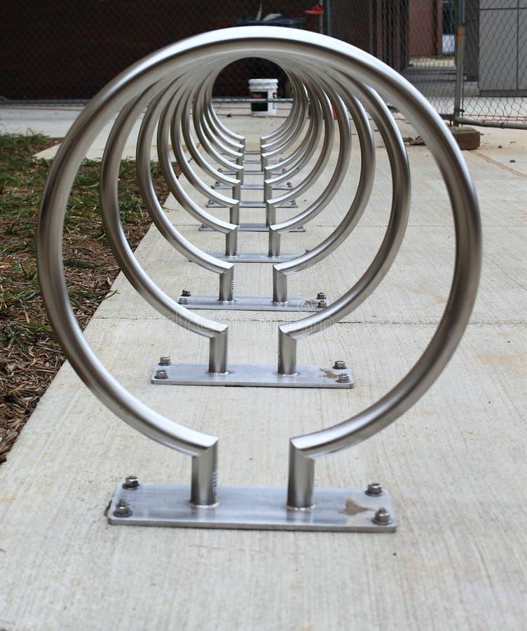 Estantes de bicicleta fotografía de archivo