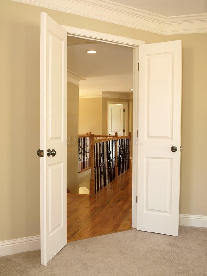 Estar aberto ao vão das escadas imagens de stock royalty free