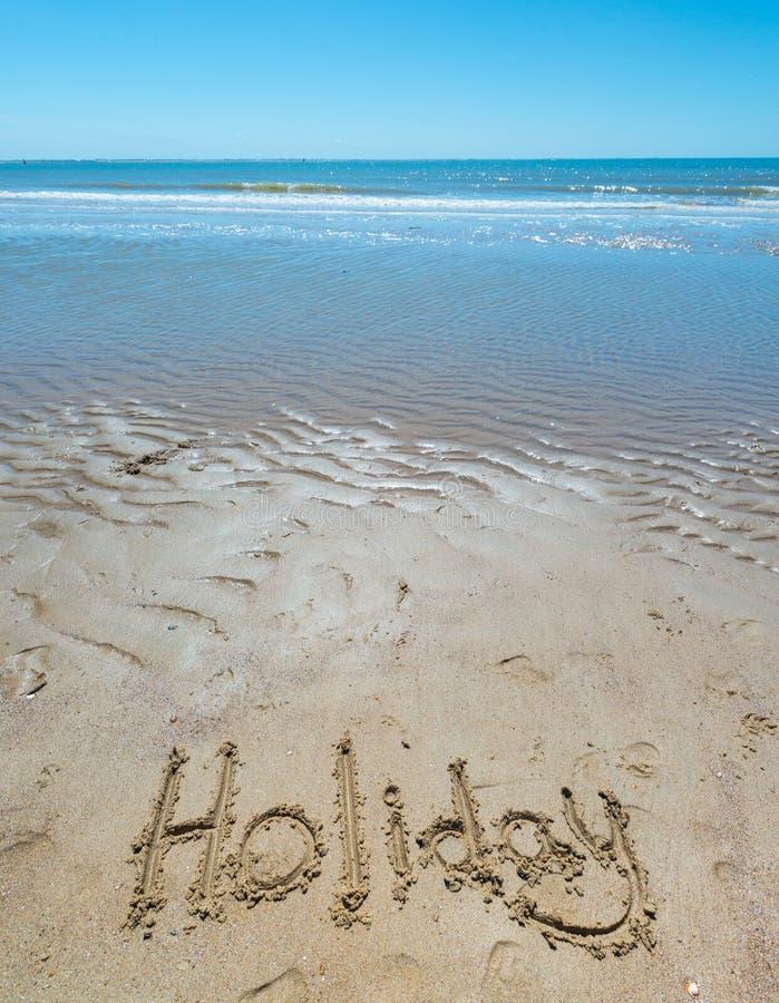 Download Estate Scritta A Mano Nella Sabbia Della Spiaggia Con Un Cuore Adorabile Illustrazione di Stock - Illustrazione di litorale, marino: 56886680