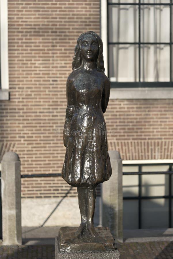 Estatua Amsterdam de Anne Frank imágenes de archivo libres de regalías
