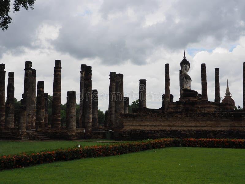 Estatua antigua de Buda, Sukothai, Tailandia fotos de archivo libres de regalías