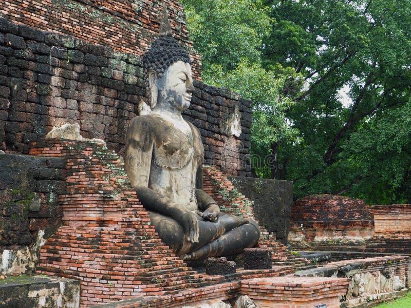 Estatua antigua de Buddha imagen de archivo