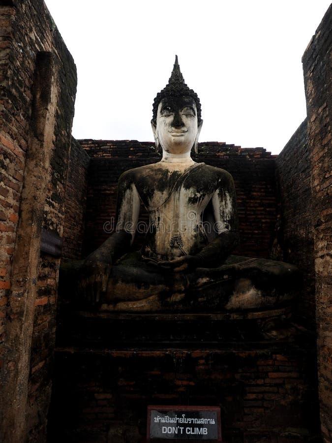 Estatua antigua de Buddha imagen de archivo libre de regalías