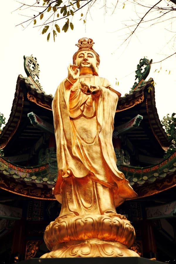 estatua budista del Bodhisattva de Guanyin, Bodhisattva de Avalokitesvara, diosa de la misericordia imágenes de archivo libres de regalías