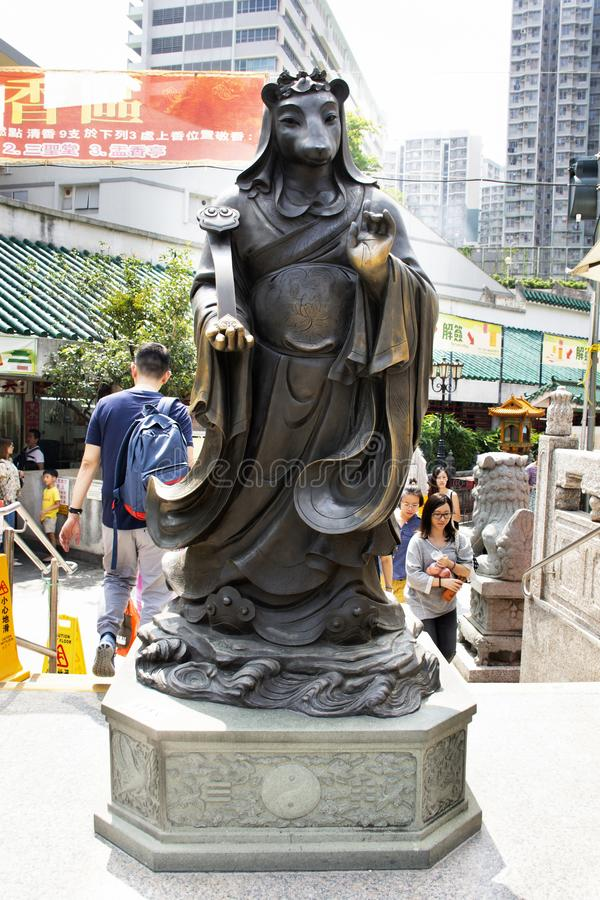 Estatua china del ángel del zodiaco doce tradicionales en Wong Tai Sin Temple en Kowloon en Hong Kong, China imagen de archivo libre de regalías