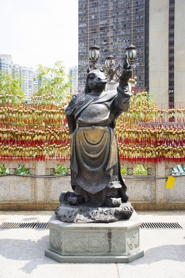 Estatua china del ángel del zodiaco doce tradicionales en Wong Tai Sin Temple en Kowloon en Hong Kong, China fotos de archivo libres de regalías