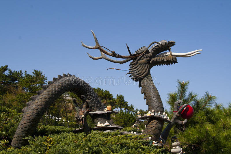 Estatua china del dragón. Año del dragón imagen de archivo libre de regalías