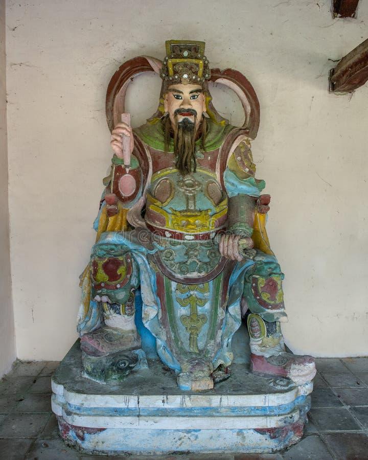 Estatua, Chua Thien Mu Pagoda en tonalidad, Vietnam imagenes de archivo