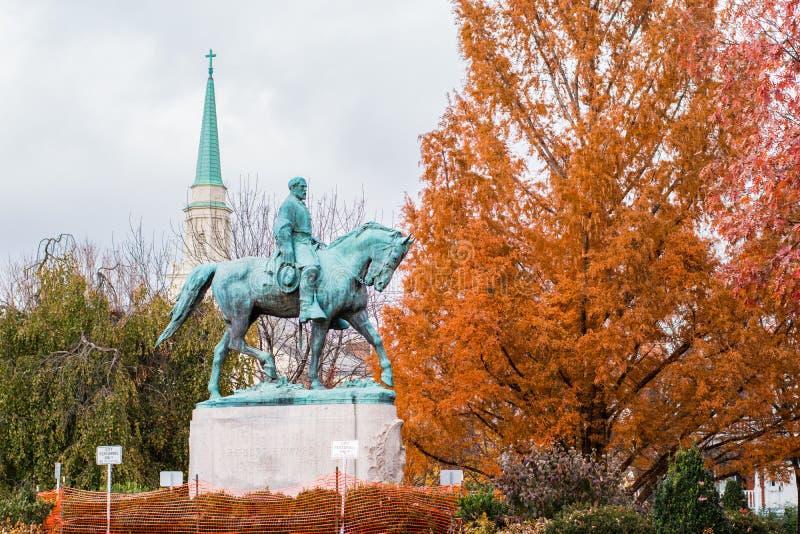 Estatua confederada en parque céntrico fotografía de archivo libre de regalías