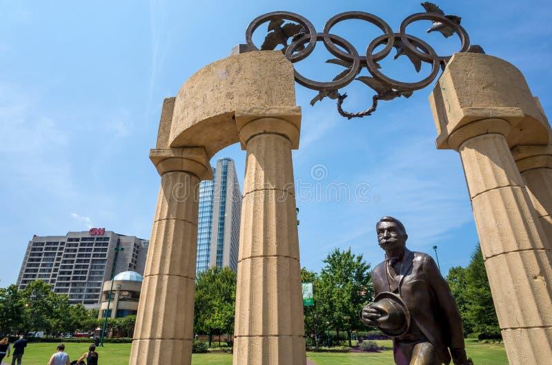 Estatua conmemorativa de Pierre de Coubertin en P olímpico centenario foto de archivo libre de regalías