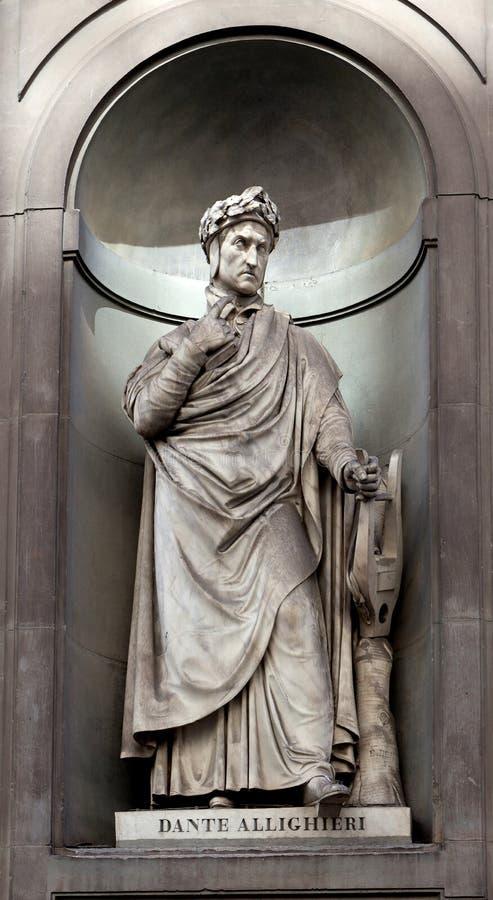 Estatua Dante Alighieri, Uffizi, Florencia, Italia imagenes de archivo