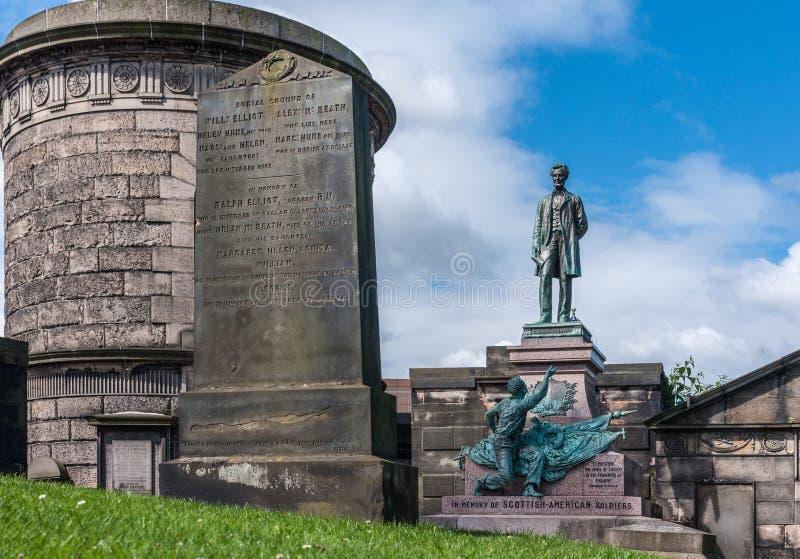 Estatua de Abraham Lincoln en el cementerio viejo de Calton en Edimburgo, Scot foto de archivo