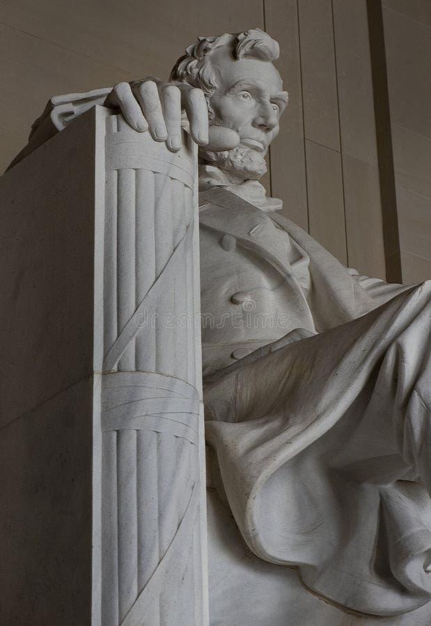 Estatua de Abraham Lincoln en Lincoln Memorial en el Washington DC los Estados Unidos de América foto de archivo