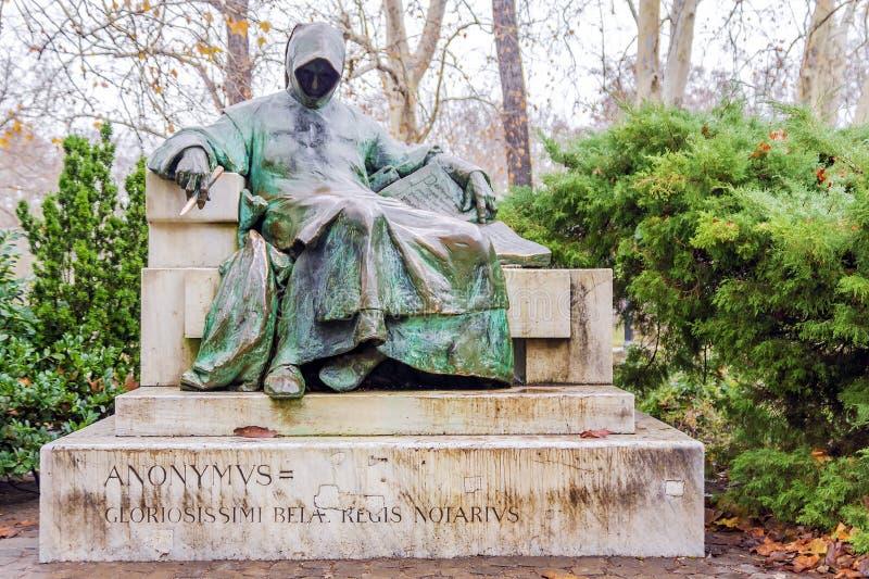 Estatua de anónimo, castillo de Vajdahunyad, Budapest, Hungría imágenes de archivo libres de regalías