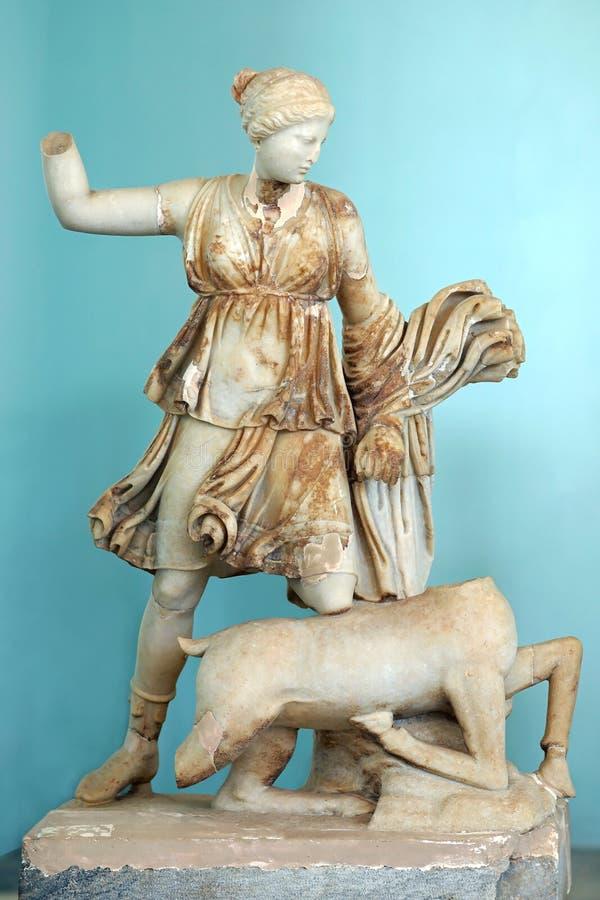 Estatua de Artemis que mata a un ciervo, isla de Delos, Mykonos fotografía de archivo libre de regalías