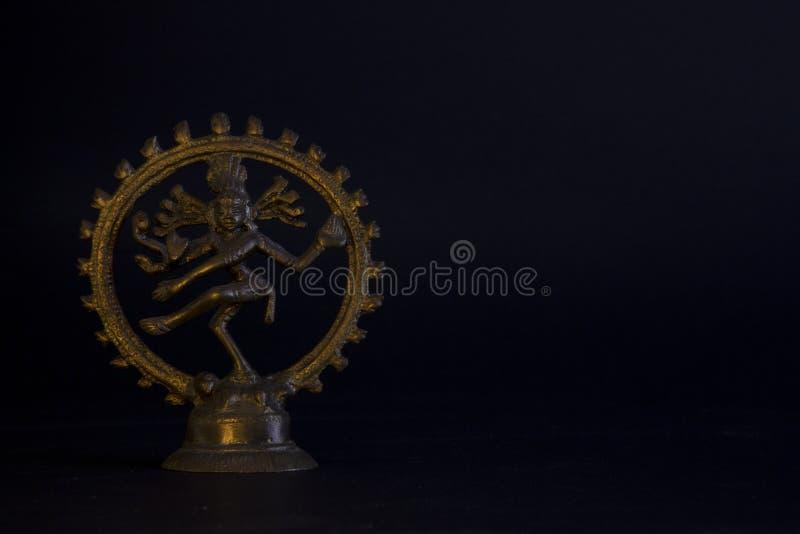 Estatua de bronce del kali indio de dios imagenes de archivo