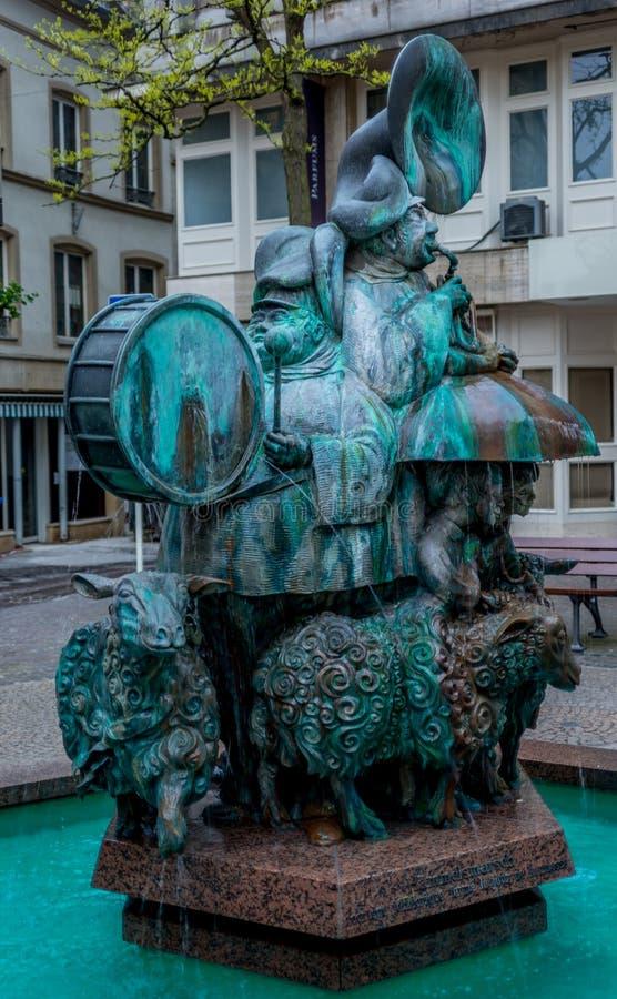 Estatua de bronce en Luxemburgo fotos de archivo libres de regalías
