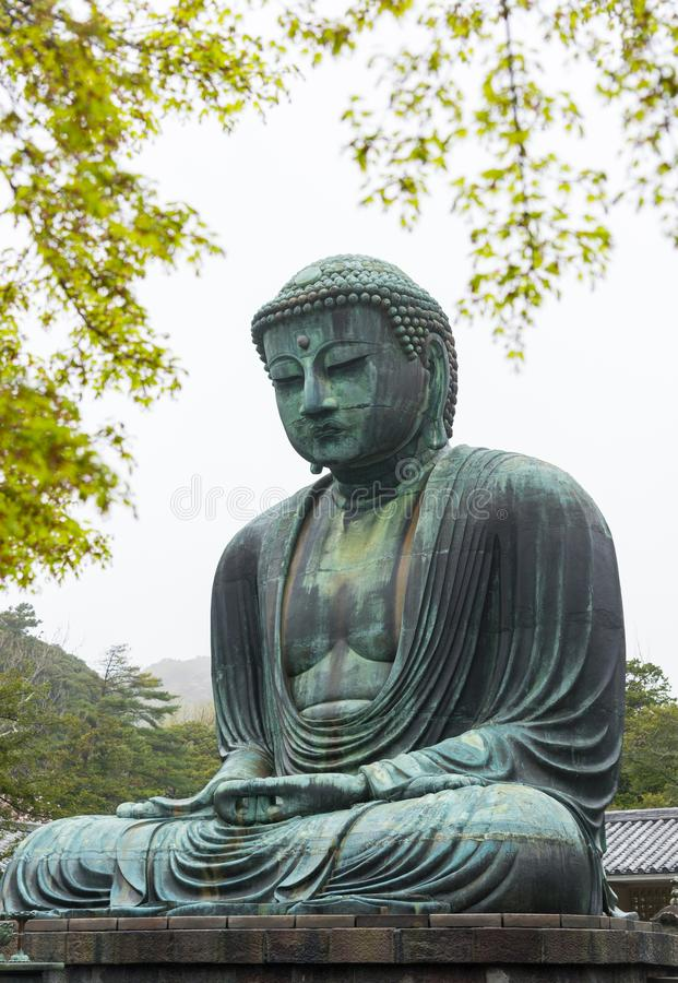 Estatua de bronce famosa monumental del grandes Buda y x28; Daibutsu& x29; imágenes de archivo libres de regalías