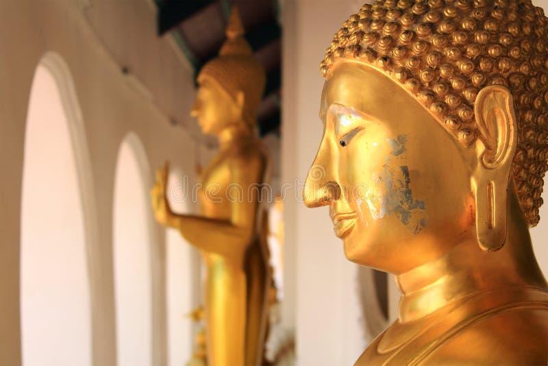 Estatua de Buda en Phra Prathom Jedi imagen de archivo
