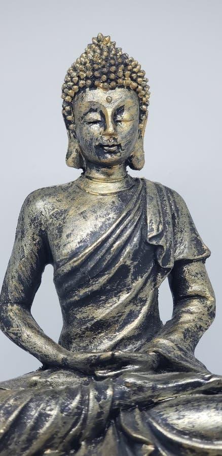 Estatua de Buda iluminada por la paz fotografía de archivo libre de regalías