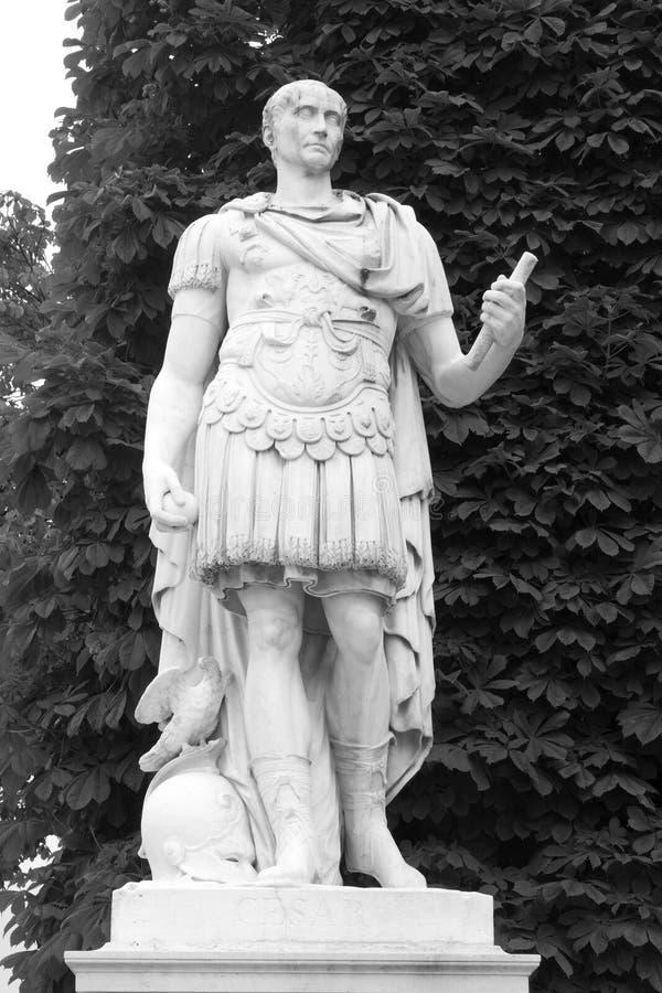 Estatua de Caesar en París imágenes de archivo libres de regalías