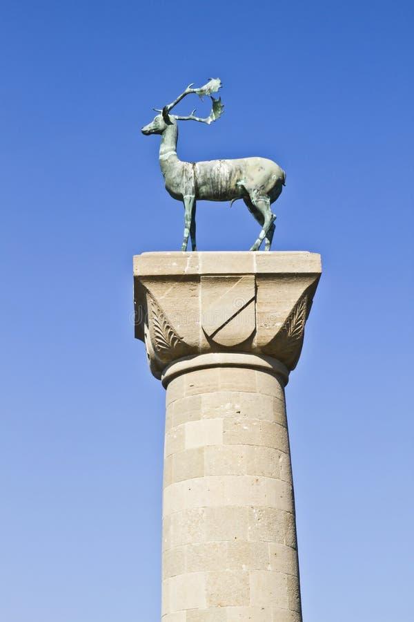 Estatua de ciervos fotografía de archivo
