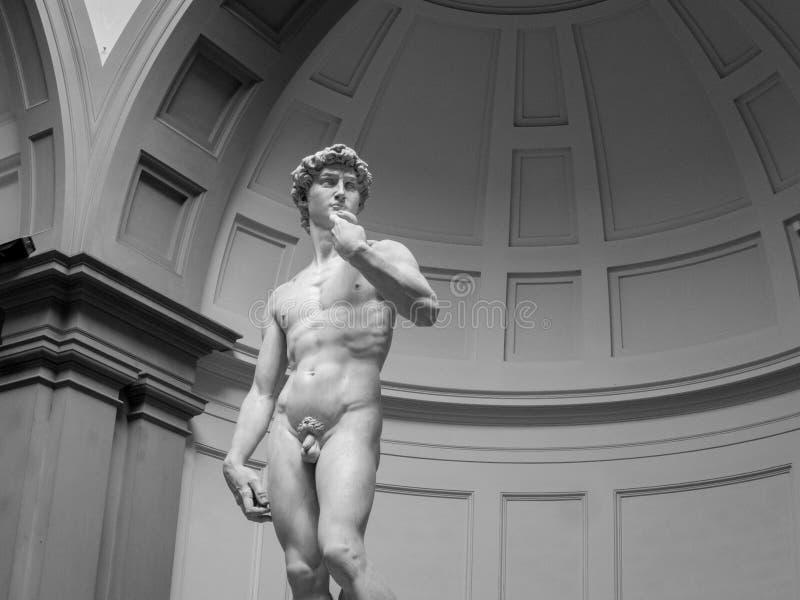 Estatua de David en blanco y negro imagen de archivo