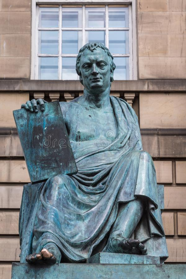 Estatua de David Hume, Edimburgo Escocia Reino Unido foto de archivo libre de regalías
