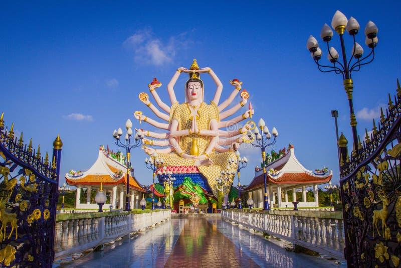 Estatua de dieciocho brazos Buda en Samui, Tailandia fotos de archivo libres de regalías