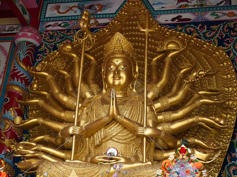Estatua de dieciocho brazos Guanyin foto de archivo libre de regalías