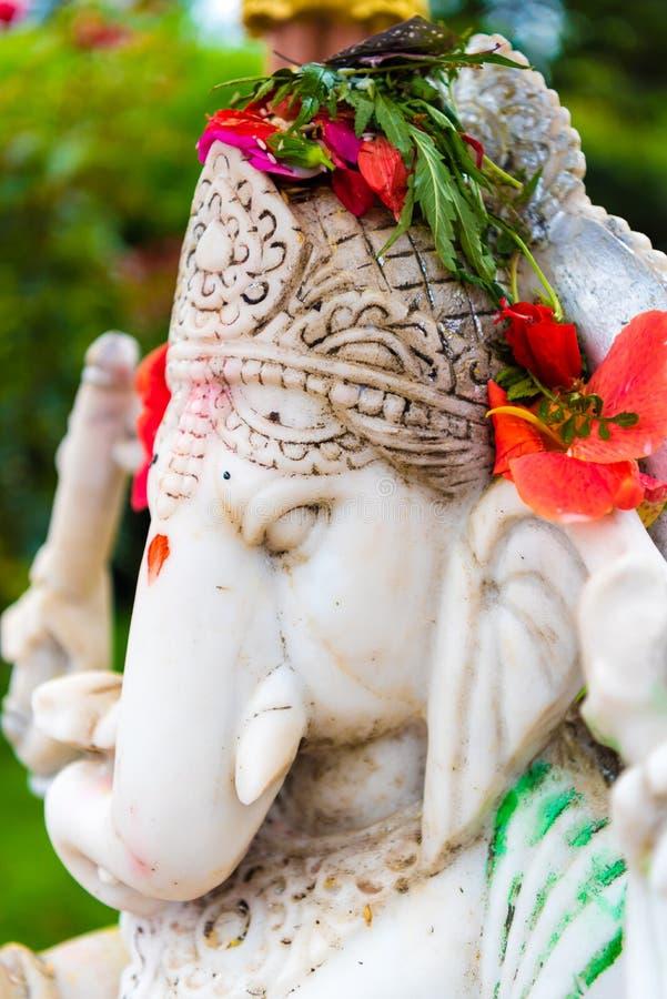 Estatua de dios hindú Ganesha en el complejo de la estatua de Kailashnath Mahadev en Sanga, Nepal fotos de archivo libres de regalías