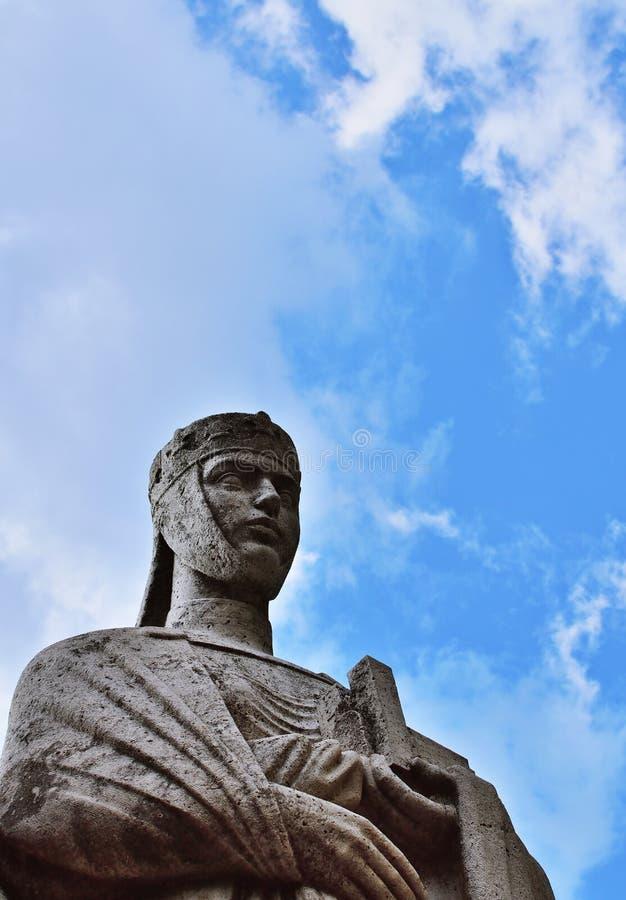 Estatua de Gisela de Hungría, esposa del primer rey de Hungría foto de archivo