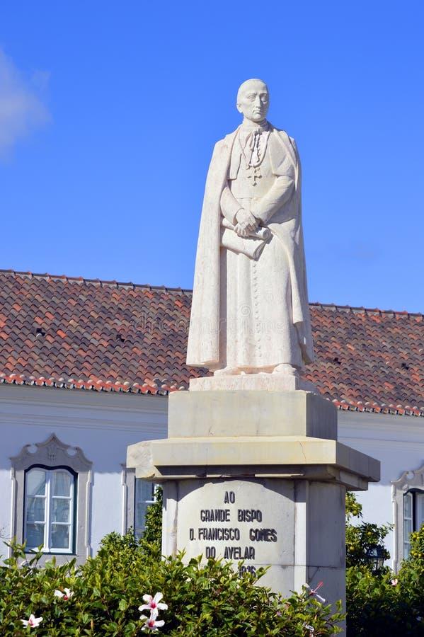 Estatua de grande Bispo D Francisco Gomes Do Avelar fotografía de archivo