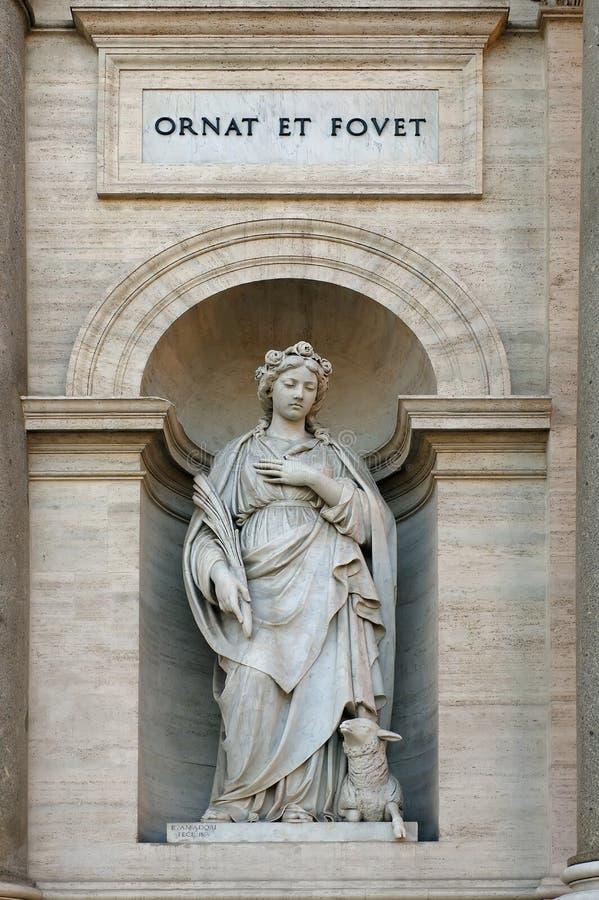 Estatua de Inés del santo imagen de archivo libre de regalías